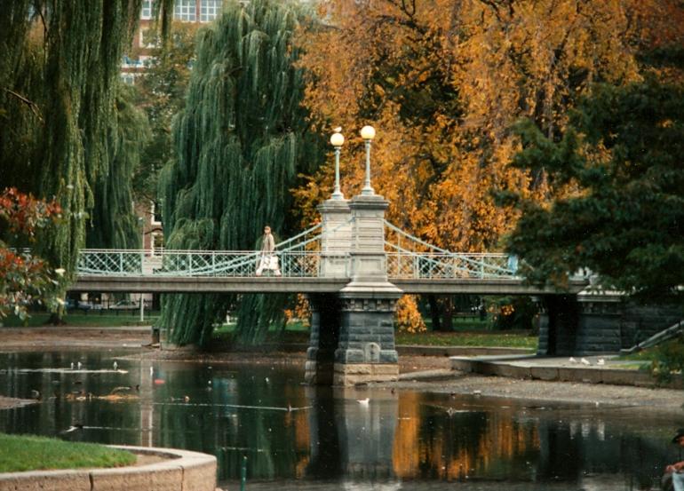 boston_public_garden_suspbridge