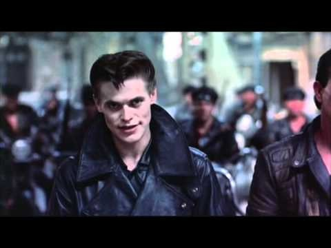 ea330f341fa10f083b73a4c543f1da4f--thomas-movie-streets-of-fire